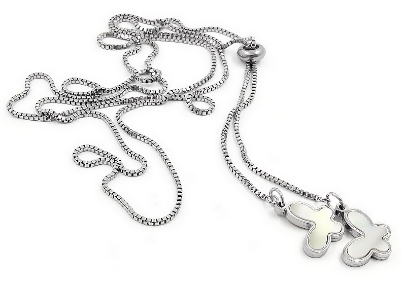 Dámský jemný náhrdelník se dvěma přívěsky ve tvaru motýlků...